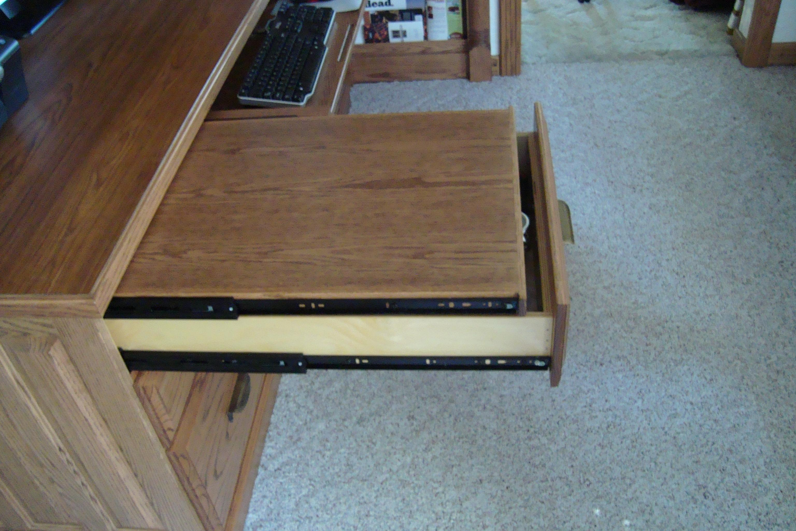 A Full N Computer Desk Pull Out Tray Keyboard For Mouse And False Back To Hide Wires 2 Drawers Double Sets Of Files Lots Dividers
