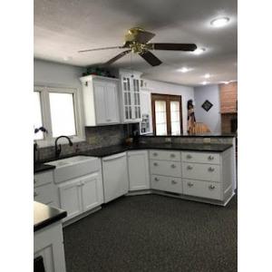 Case White Kitchen